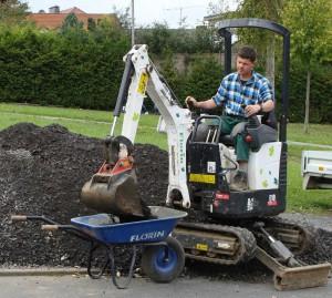 Garten und landschaftsbau maschinen  Florin Gartenbau - Maschinen- und Fuhrpark